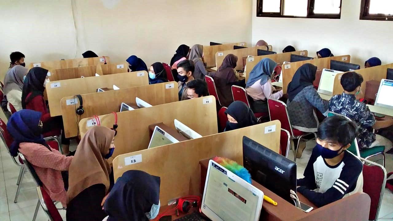 Pelaksanaan Try Out AKM Tahun Pelajaran 2020/2021 Di MAN 2 Banyumas